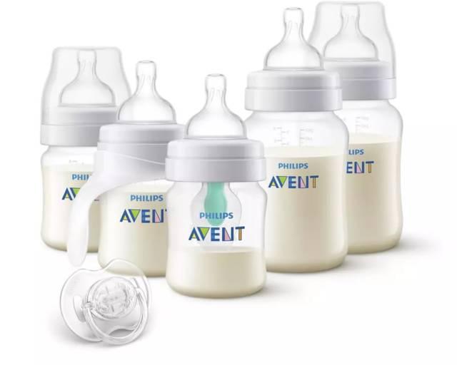 AVENT Zestaw butelek Anti-colic z nakładką AirFree™ (2×125 ml, 2x260ml, kubek treningowy, smoczek przezroczysty) SCD808/01