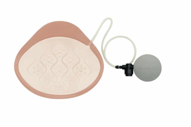 AMOENA Regulowana proteza piersi z miseczką płytką Adapt Air Xtra Light 1SN 328